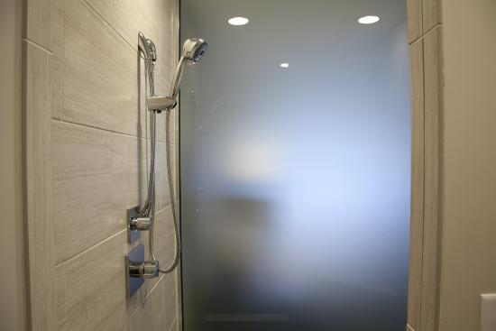Ironworks Hotel Legacy Suite Large Walk In Rainforest Shower