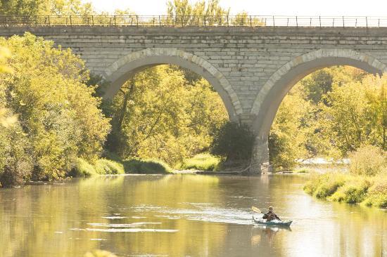 Ironworks Hotel: Kayaking