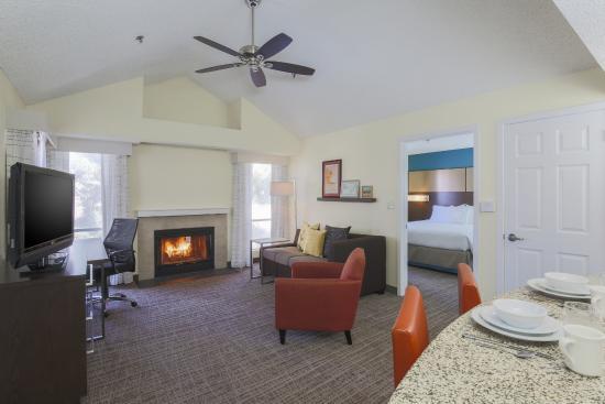 Residence Inn Bakersfield Livingroom Upstairs Two Bedroom Suites