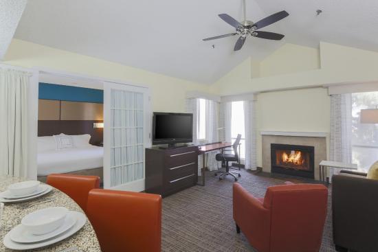 Residence Inn Bakersfield Livingroom With Fireplace Upstairs Two Bedroom Suite