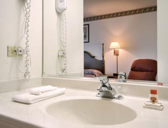 Aurora, Ιλινόις: Bathroom