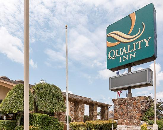 Photo of Quality Inn Magnolia