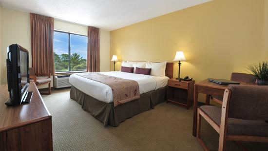 Ramada Wisconsin Dells: Family Suite Main Room SN