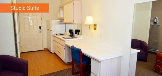 Siegel Suites Select – Las Vegas Boulevard: Kitchen Area of Studio Suite