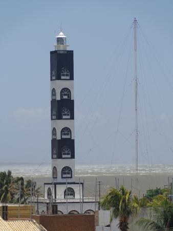Coroa do Meio beach : Farol da marinha