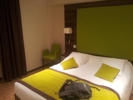 Hotel du Parc: Vue sur le lit