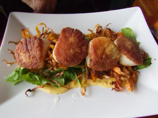 The Loft Restaurant & Bar : Pan Seared Diver Scallops