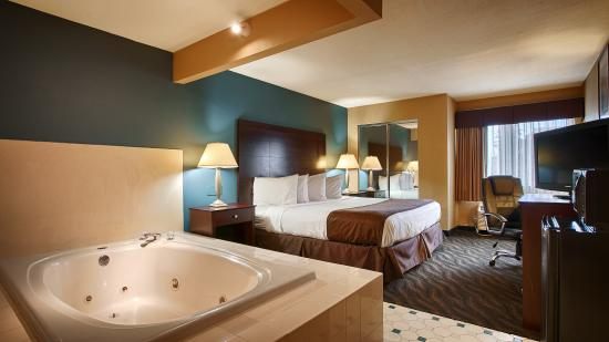 Best Western Magnolia Manor: Whirlpool Suite