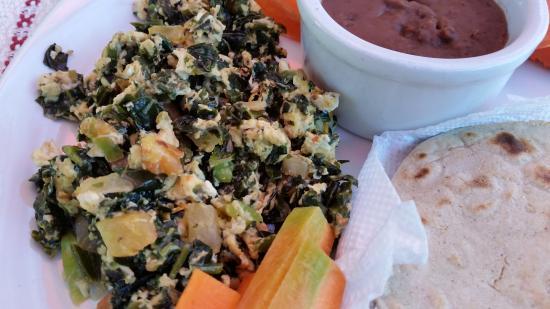 Martha's Guesthouse restaurant : Mayan Breakfast with Chaya veggie in eggs.