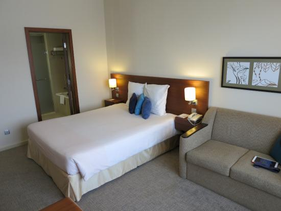 standard double room 915 picture of novotel dubai deira city rh tripadvisor com