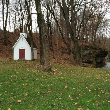 Rockmill Brewery: Chapel, rocks, and creek.