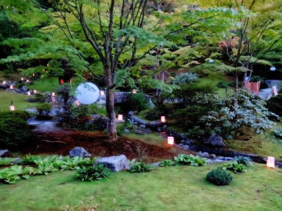 Lights Aglow At The Annual Moon Viewing Festival. - Picture Of Seattle Japanese Garden Seattle ...