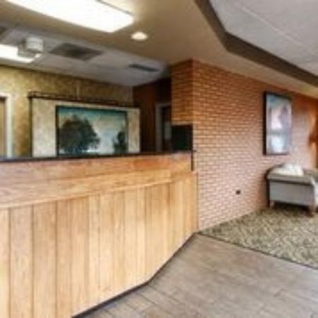 BEST WESTERN Plaza Inn: Hotel Lobby