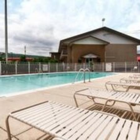 BEST WESTERN Plaza Inn: Pool