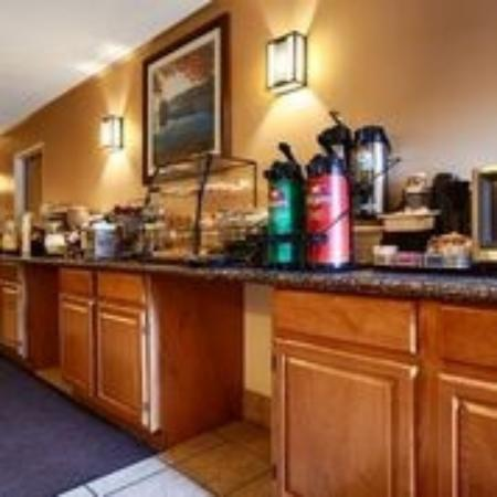 BEST WESTERN Plaza Inn: Breakfast Room
