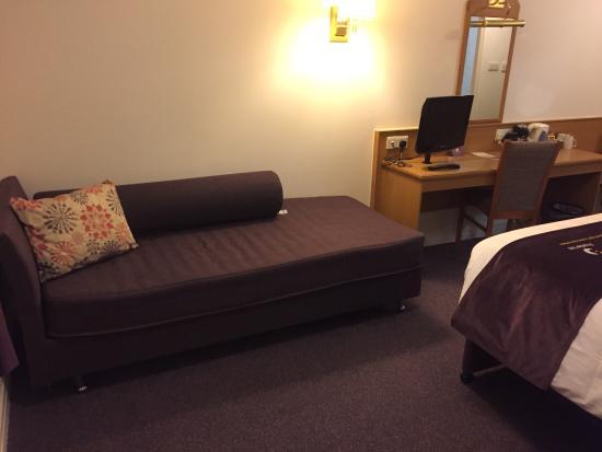 Premier Inn Manchester (Hyde) Hotel : photo1.jpg