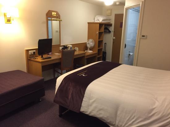 Premier Inn Manchester (Hyde) Hotel : photo2.jpg