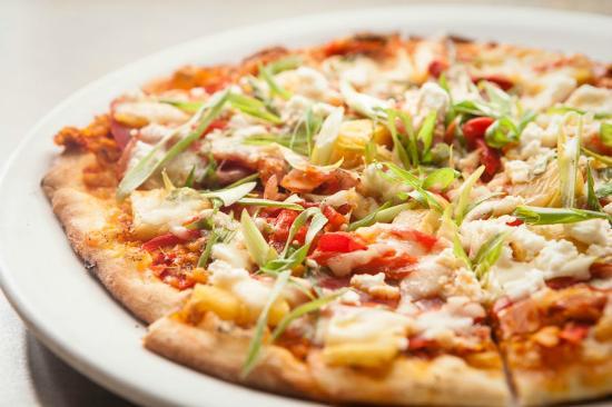 Bonfire Bistro : Hawaiian Pizza