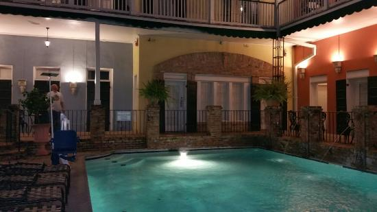 New Orleans Courtyard Hotel: 20151108_212815_large.jpg
