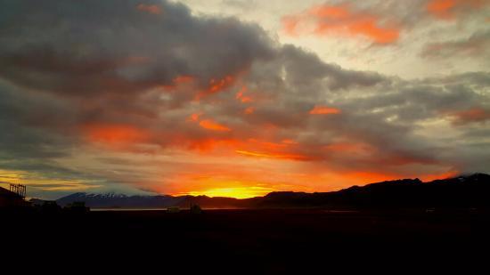 Snaefellsbaer, Исландия: Sunset seen from Hotel