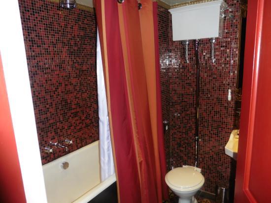 Prestonfield: Bathroom