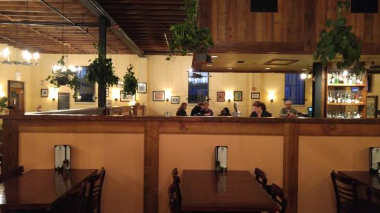 Warrenton, Carolina del Norte: Comfortable, artsy, inviting, just nice dining.