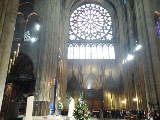Parijs, Frankrijk: Mass at Notre Dame