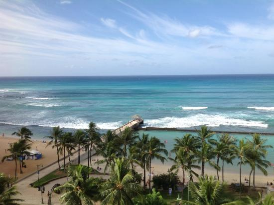 Park Shore Waikiki: View from our corner room two minutes walk away