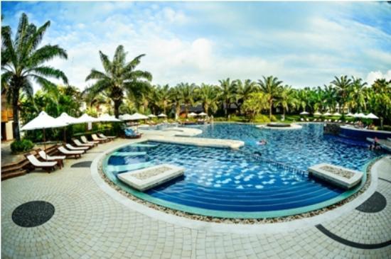 Palm Garden Beach Resort Spa Pool