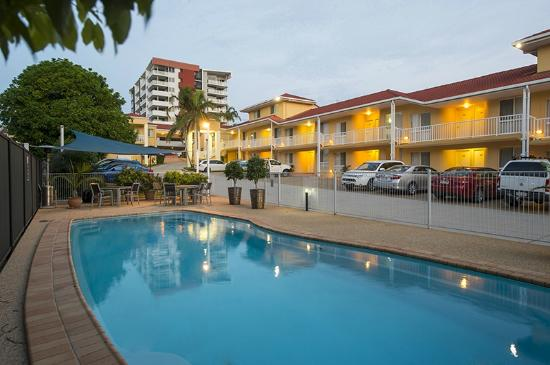 Harbour Sails Motor Inn: Outdoor Pool