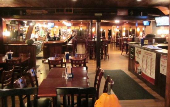 Mecosta, MI: Bar and Seating