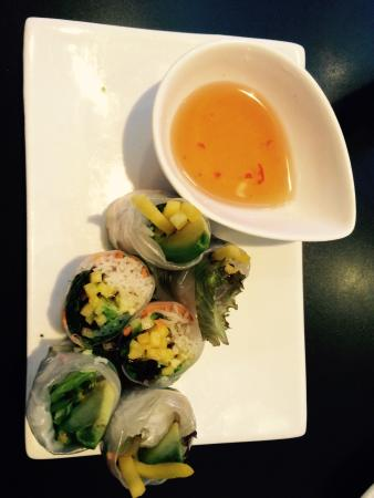 Lemongrass Viet-Thai Restaurant: I can highly recommend the fresh mango and avocado summer rolls!