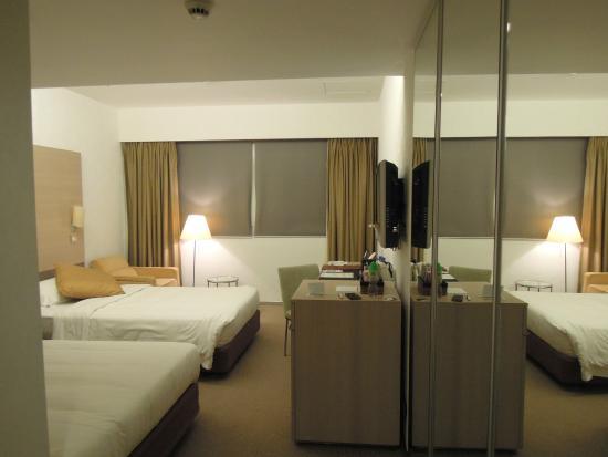 room-2 (The Fleming, Hong Kong)