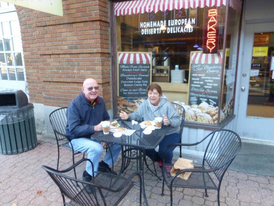 Bluesberry Bakery: Breakfast in The Winter