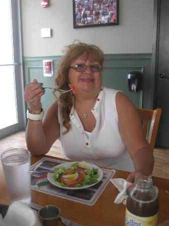 Newport, NJ: Mi ensalada - Andrea