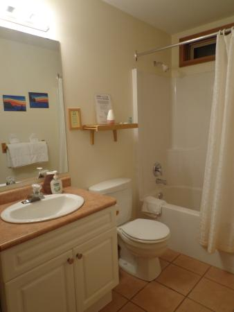 Bedwell Place Guest House: Ensuite