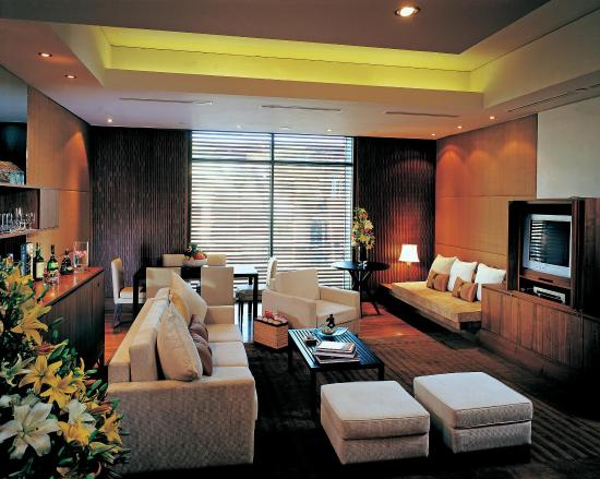 ITC Sonar: ITC One Suite Sitting Room