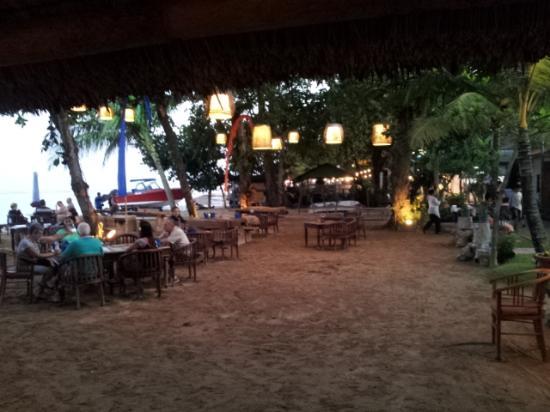 Inna Sindhu Beach: Beach area at night