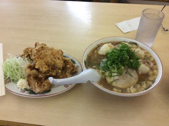 ホルモンラーメン&唐揚げセット - 広島市、尾道らーめん 三公の写真 ...