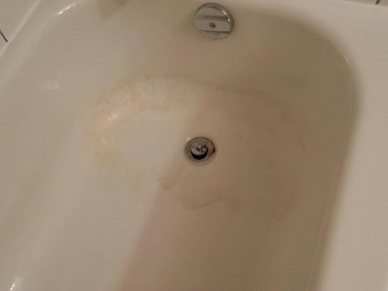 Days Inn Prince Albert: Bathtub in room