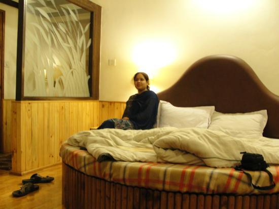 Hotel Kanishka: Honeymoon suit