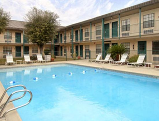 Days Inn San Antonio Near Lackland Afb Texas Hotel