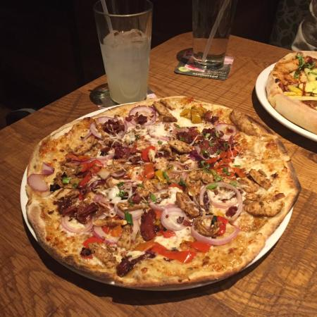 10 Best Pizza In South San Fernando Valley Los Angeles