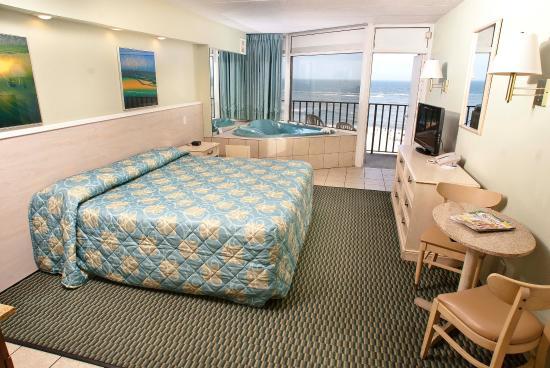 Schooner Inn Updated 2018 Hotel Reviews Price Comparison And 402 Photos Virginia Beach Tripadvisor