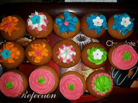 The Hot Bread Shop: For any occassion cupcakes