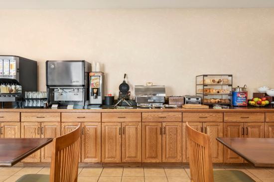 Peoria, IL: Breakfast Room