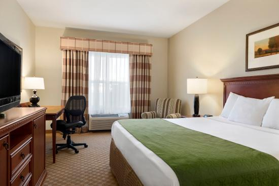 Country Inn & Suites Peoria North: Guest Room