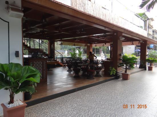Sea Mist Resort: Dining & Bar with free wifi