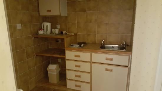 Cucina e bagno anni 30 - Picture of Dalmeny Resort Hotel, Lytham St ...