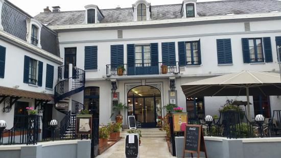 Salon Buffet Et Immeuble Picture Of Hotel De Paris Et De La Poste Sens Tripadvisor